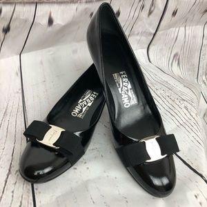 SALVATORE FERRAGAMO l Black Patent Heels sz 8 2A